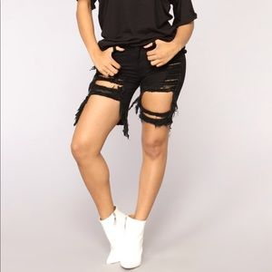 Black ripped short